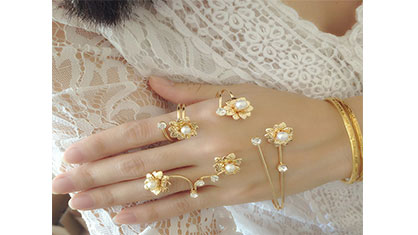 انتخاب انگشتان برای جواهرات